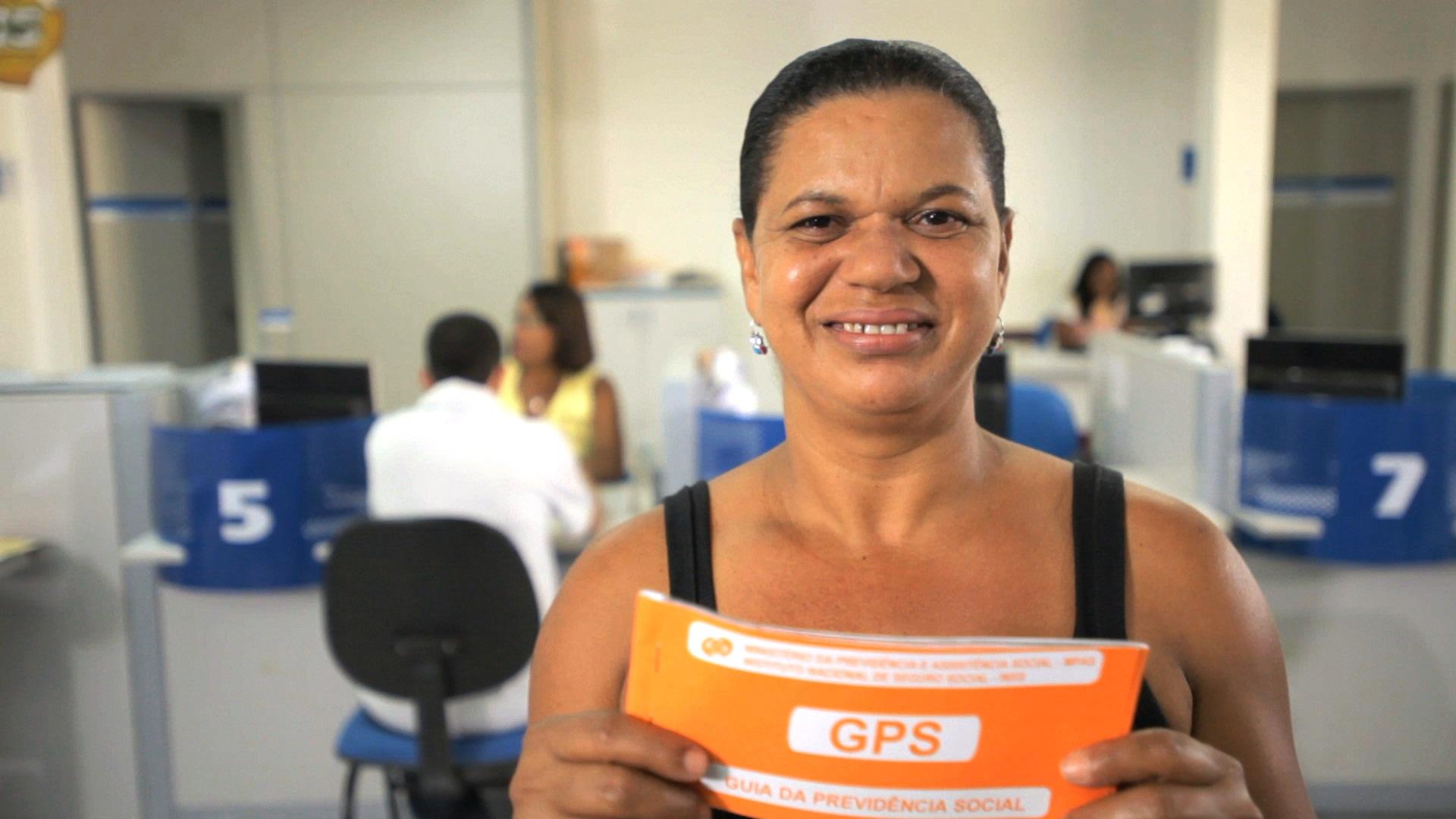 Empregador domestico deve informar competência 13 na Guia de Previdência Social.