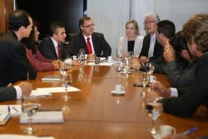 Parlamentares do Paraná se reúnem com ministro Carlos Gabas