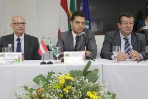 Especialistas em Previdência Social do Brasil e da Áustria discutem acordo previdenciário. Foto: Erasmo Salomão/MPS