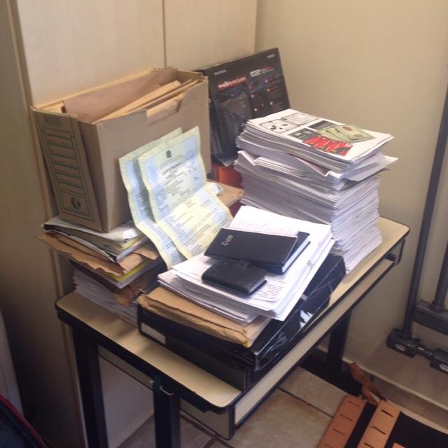 Material apreendido na casa do agente financeiro que fazia empréstimos fraudulentos (Foto: Divulgação)IMG_1350(1)