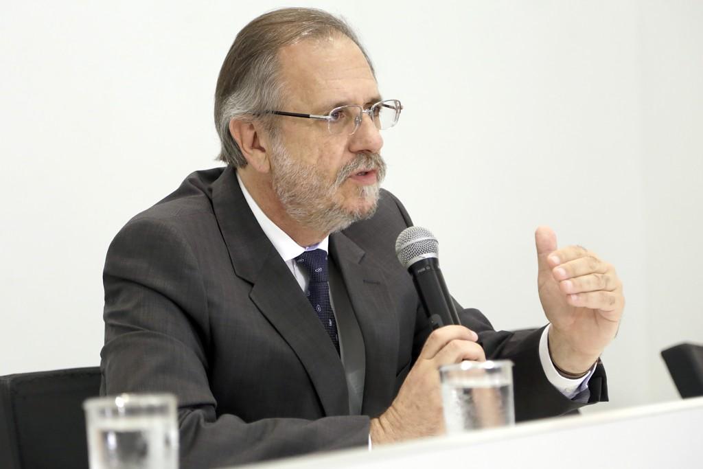 Ministro Miguel Rossetto anuncia valor do novo salário mínimo. Foto: Erasmo Salomão/MTPS